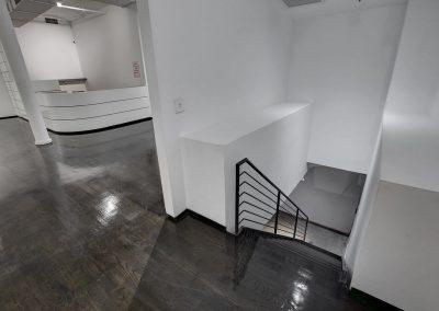 White Space Chelsea Accesso Piano Inferiore